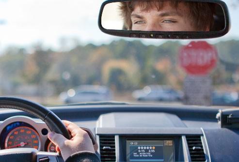 Apakah kepentingan tahap penglihatan yang baik ketika memandu2