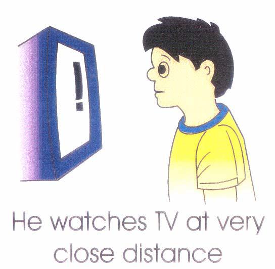Menonton TV Pada Jarak Dekat Akan Merosakkan Mata